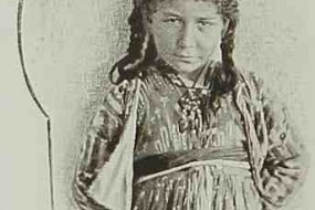 A young girl from Sis – 1898