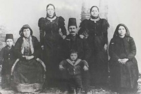 Members of the Kebabdjian, Donikian, Balian families, Yozgat around 1910