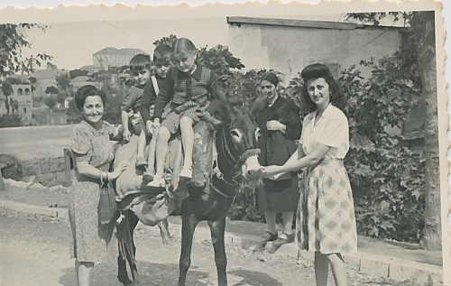 Anahid Kaloustian, Zarmanian family – early 1940s