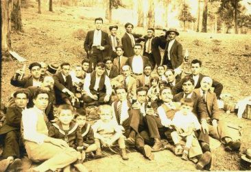 Yeranui Kaloyan's grandfather with friends near Mexico City – 1927