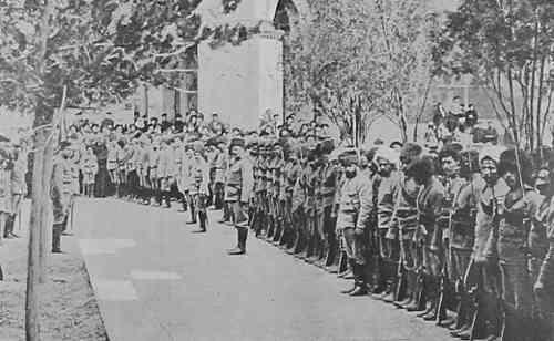 Armenian volunteers leaving for Van