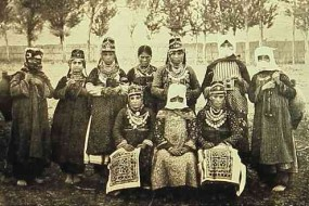 Armenian women – Van