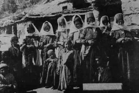 Armenian women – Chatakh