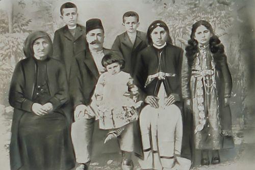 Armenian family – Sebastia 1907
