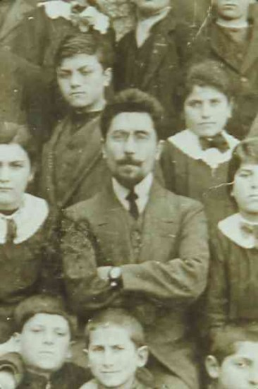 Aram Manukian at the school of Ordu – 1902