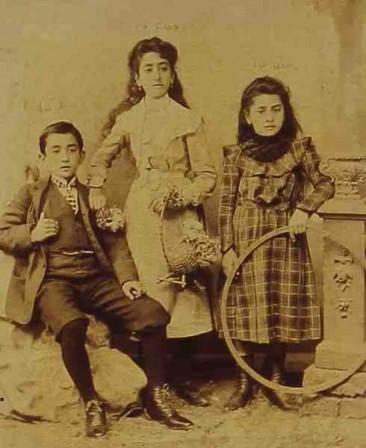 Ispirian children – 1902