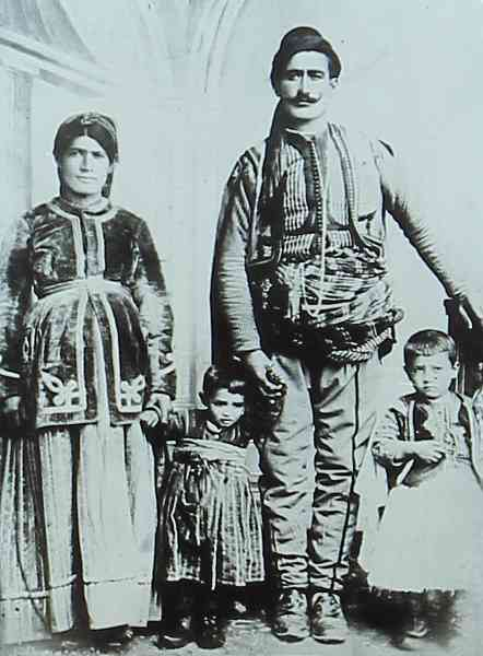 Daniel Varoujan with his parents – Constantinople 1890