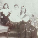 Mother with her children - Teheran 1908