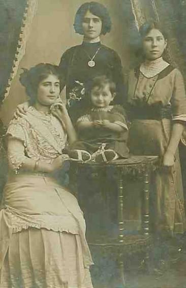 Mrs Seropian and her son Mardik – 1911