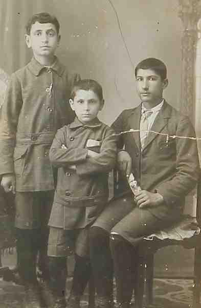Schoolboys – Jerusalem 1922