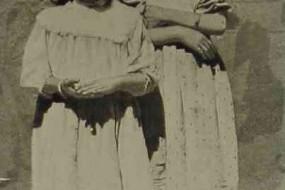 Young Armenian girls in 1906