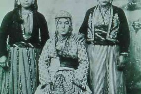 Young girls from Diyarbekir – 1903