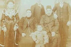 Ovsep Baghtchedjian and his family – Konya 1912