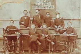 Sewing school teacher Vartan Karayan in Gurin – 1900