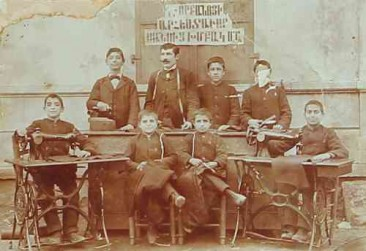 Sewing school teacher Vartan Karayan in Gurin – 1900