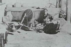 Armenian spinner in Marash