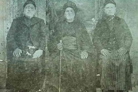 Rapdjian brothers with Mr Dadourian in Everek