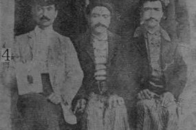 Harutiun Paraghamian with friends – Ourfa 1910