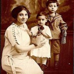 Zaruhi Mooradian with her children - 1923