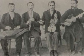 Djivani with his group