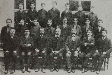 Armenian graduates with their teachers – Trapizon 1908
