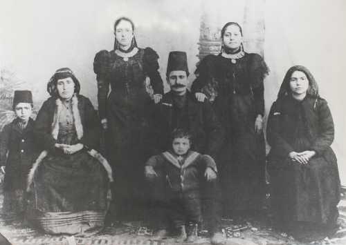 Members of the Kebabdjian, Donikian, Balian families, Yozgat around 1910
