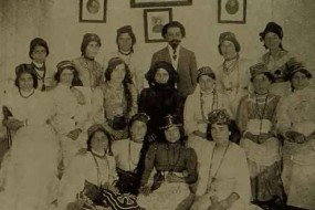 The Anoush opera company with Armen Tigranian