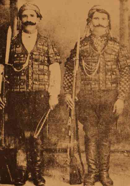 Avedis Chavush and his brother