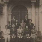 Graduates and teachers of the Getronagan in 1947