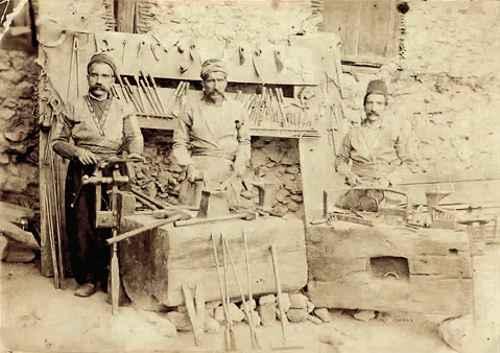Tcholaqian family – Zeytun 1913