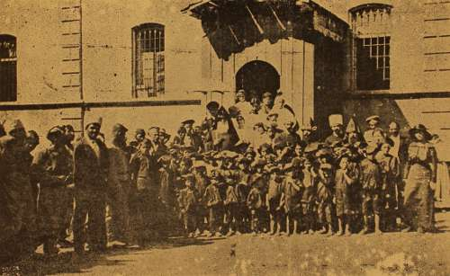 Armenian orphans with Catholicos