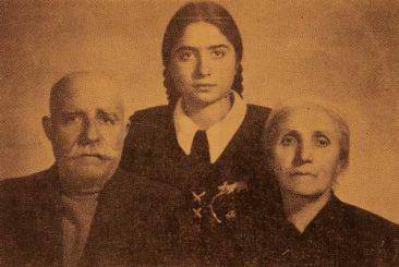 Garabed and Soghmen Ghasabian with their granddaughter Vesleda – Erevan