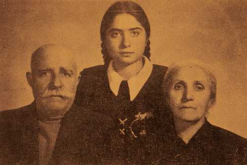Garabed and Soghmen Ghasabian with their granddaughter Vesleda – Erevan