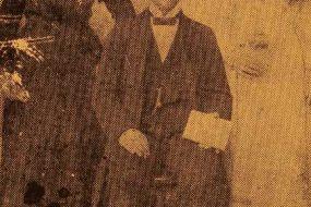 Harutiun Helvadjian and his uncle's daughters – Sivrihisar