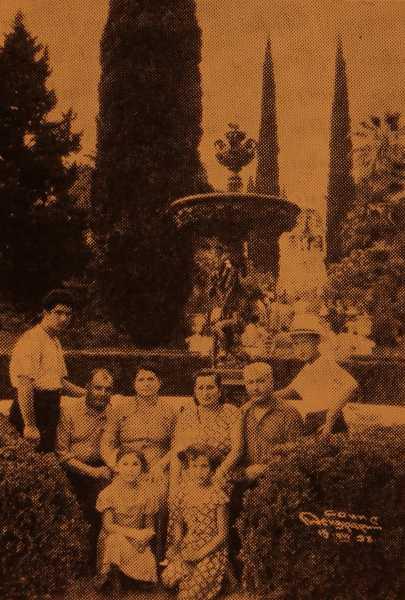 Nubar and Harutiun Madanian with family in Sotchi