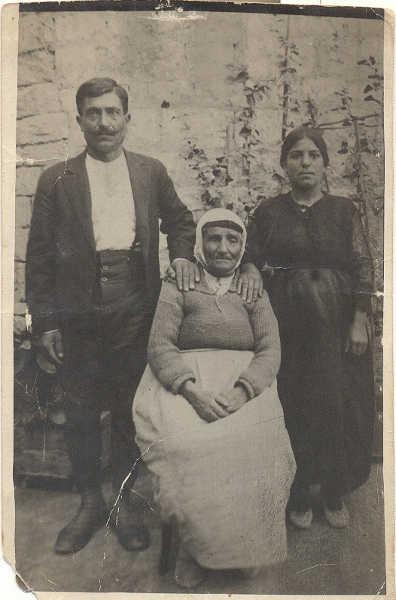 Zeytountsi Vartevar Achikian and wife Archalouyce Qalaydjian - Aleppo 1925