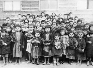 Armenian orphans in Aleppo 1918 – Near East Relief Organisation