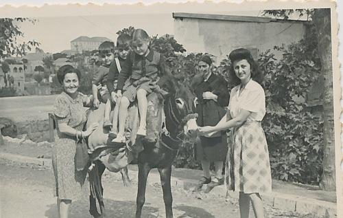Anahid Kaloustian, Zarmanian family – early 1940s