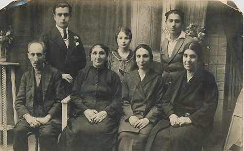 Arbiyan Hagop and wife, Soghomeh, Antranik, Hagop, Veron