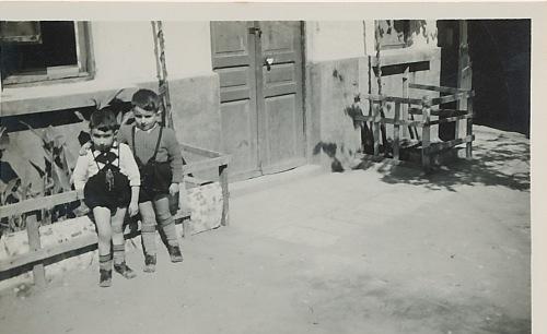 Hrair and Sebouh – Chtaura (Lebanon) 1951