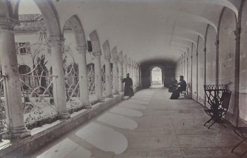 San Lazzaro Armenian monastery, corridor and entrance
