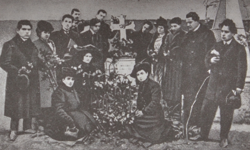 Abelian-Armenian Theater Group gathered around Bedros Atamian's tomb, Bolis 1908